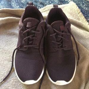 Women Nike roshe shoes